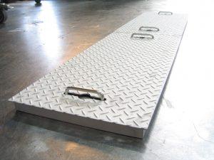 縞鋼板 溝フタ