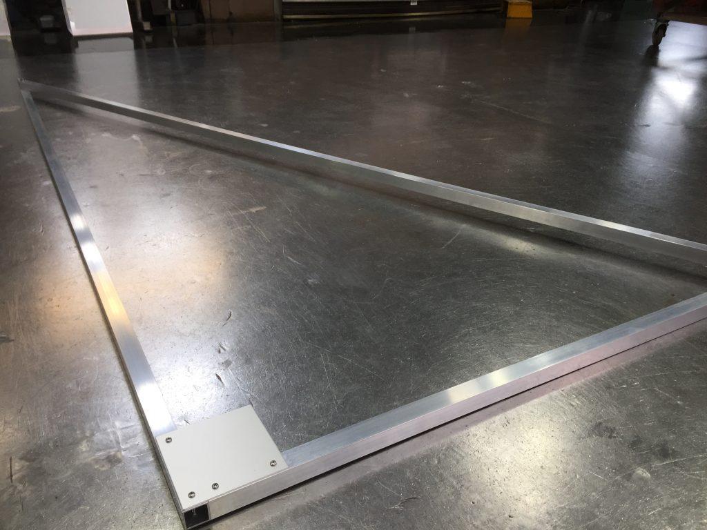 アルミ製:三角定規:ソーラーパネル用のメイン画像