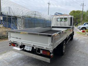 トラック:あおりカバー/リアバンパー